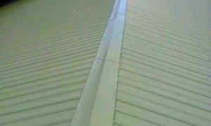台北三重廠房鐵皮屋頂隔熱鋁毯鋪設施工(6)_中亞鐵工廠.jpg
